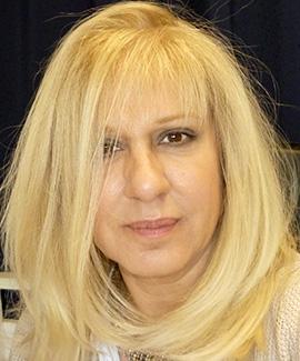 Η εικαστικός Μαρία Σταμάτη